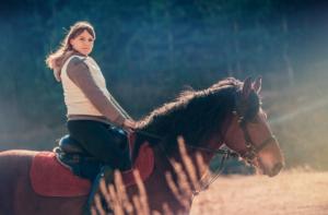 Катание на лошадях в конном клубе Каньон, в Кисловодске