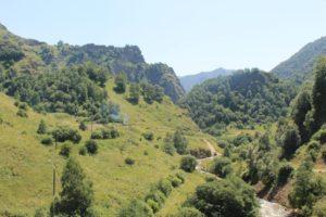 Ущелье долины нарзанов летом